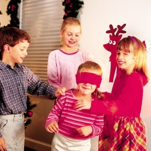 Fun_christmas_party_games_idaes